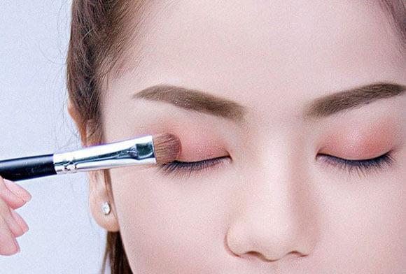 hướng-dẫn-sử-dụng-Phấn-mắt-4-ô-Vacosi-Natural-Studio